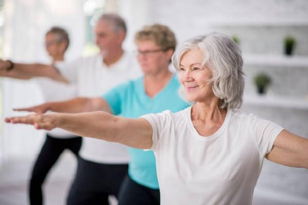 L'ostéopathie permet aux personnes âgées de retrouver de la mobilité